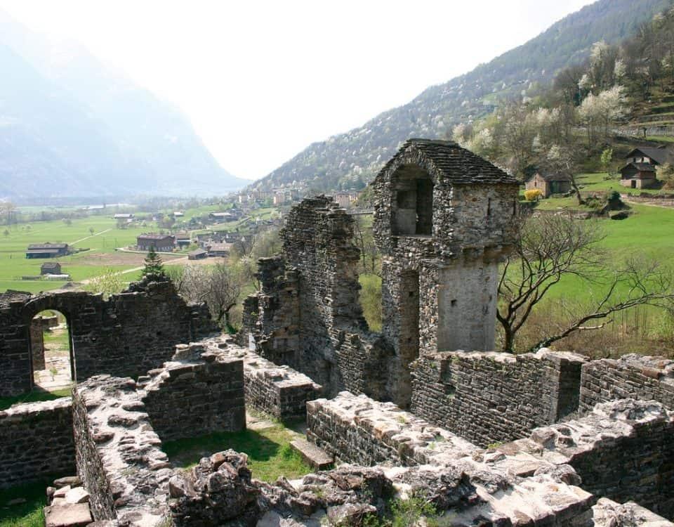 Ruderi del Castello di Serravalle